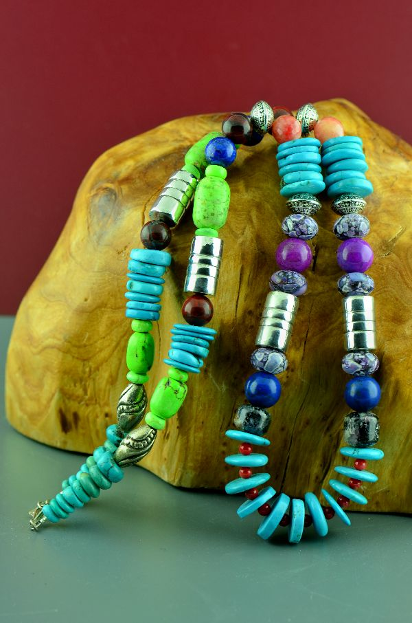 Kingman Turquoise American Indian Necklace
