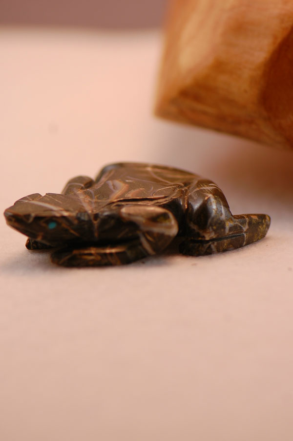 Zuni Hand Carved Serpentine Frog Fetish