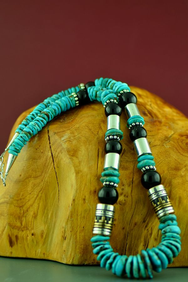 American Indian Kingman Turquoise and Black Onyx Necklace