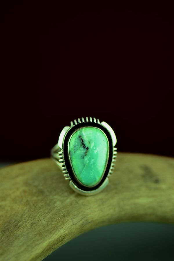 Ladies Size 7 Turquoise Native American Ring