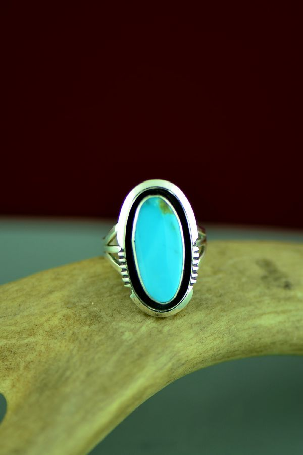 Ladies Bisbee Turquoise Navajo Ring