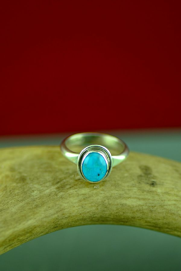 Authentic Bisbee Turquoise Native American Ring