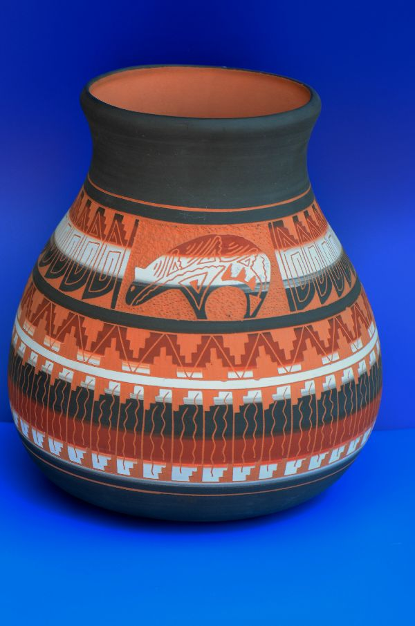 Navajo – Etched/Carved Pottery Vase with Bear by T. Kathy Lee