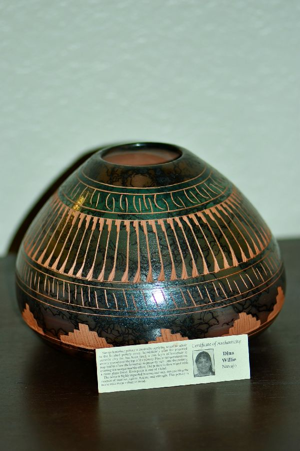 Etched Dina Willie Navajo Pottery